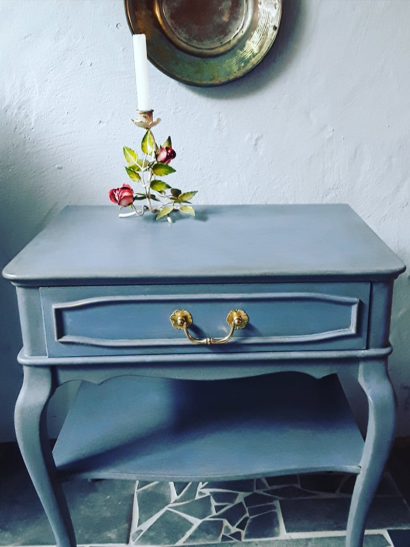 Verwandlerei Fürth - Schränkchen blau mit Kerze